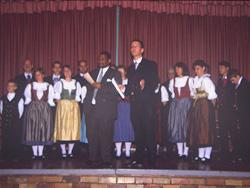 Die Südmährische Sing- und Spielschar bei einem Auftritt in Port Elisabeth